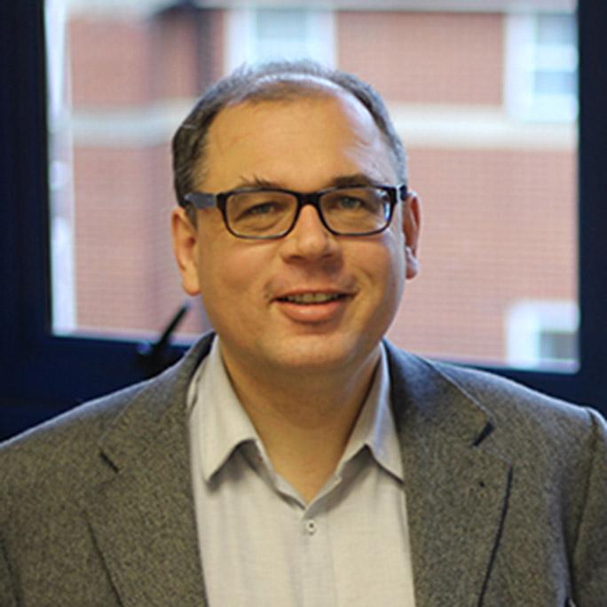 Dr. Thomas Hain
